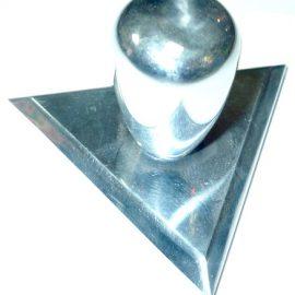 Оснастка треугольная металлическая